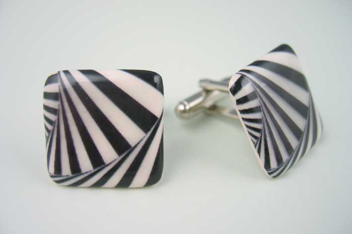 View Big Swirl cufflinks